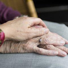 hands-2906458_1920